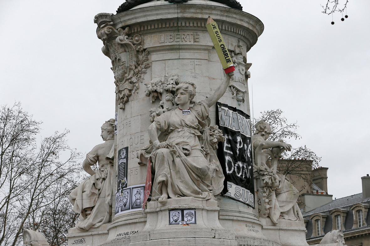Place de la Republique statue