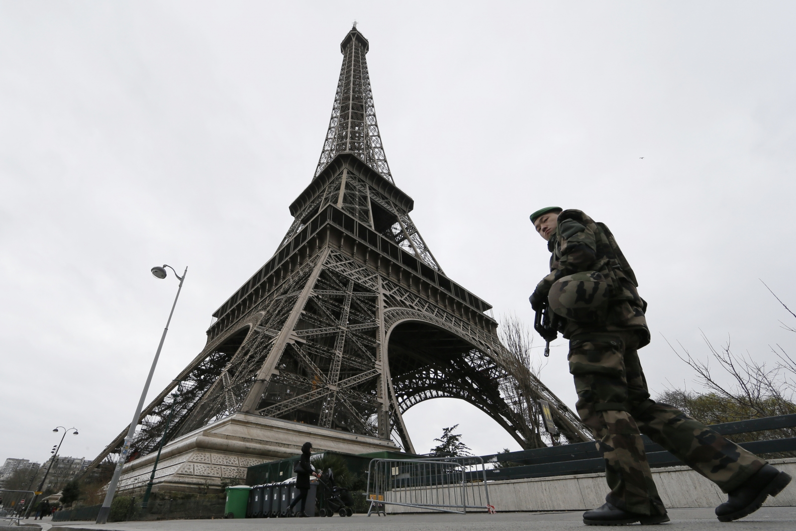 Paris unidentified drones