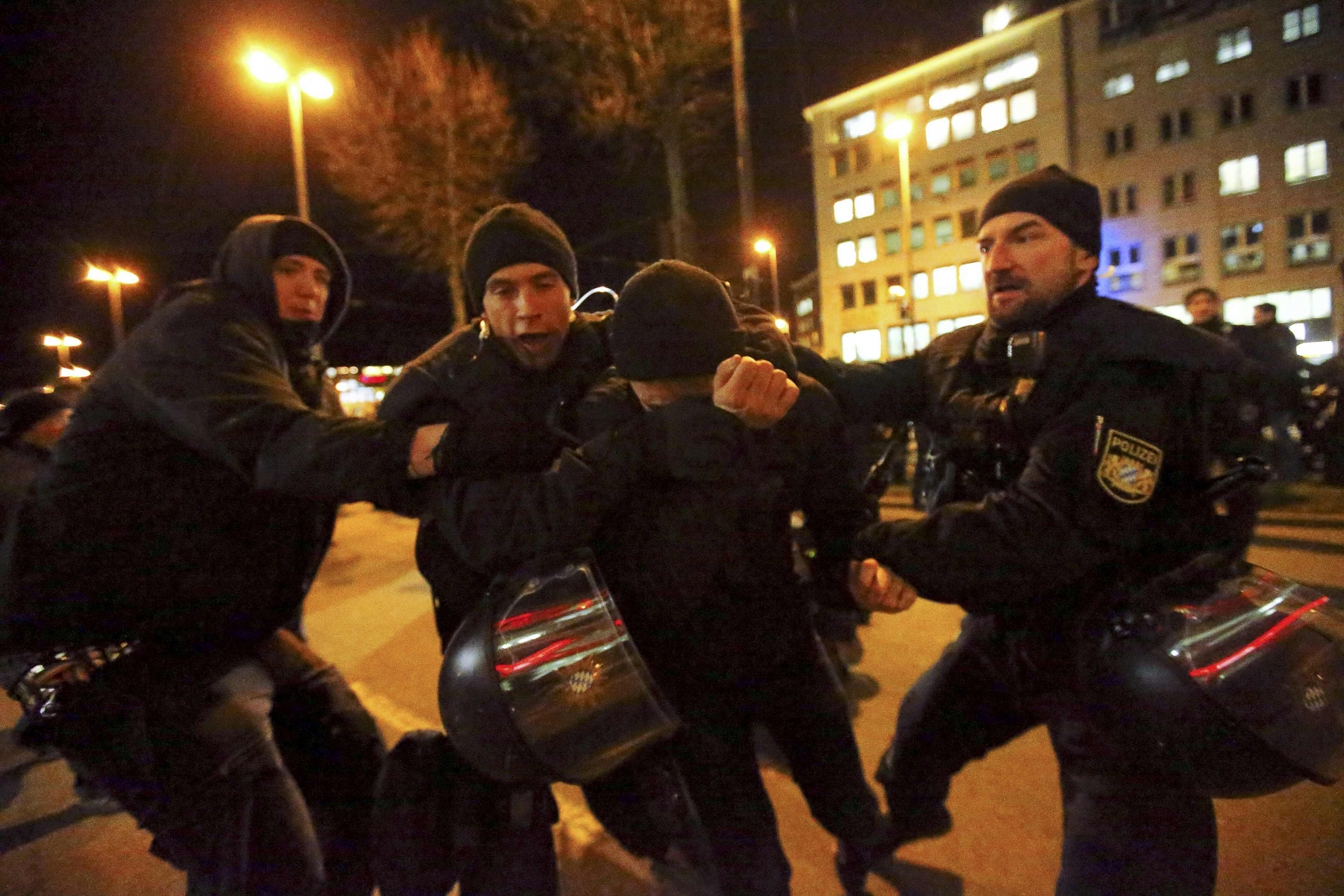 Germany: Anti-Islam Pegida protest rally draws record 25,000 in Dresden