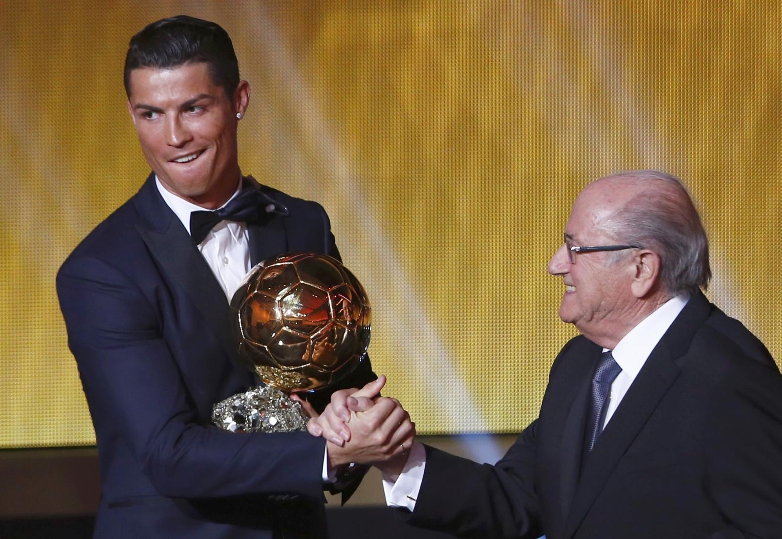 Ballon d'Or 2014: Cristiano Ronaldo beats Messi and Neuer to win award