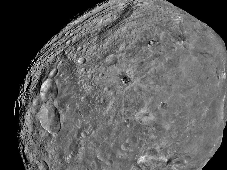 NASA Dawn Spacecraft Vesta Image