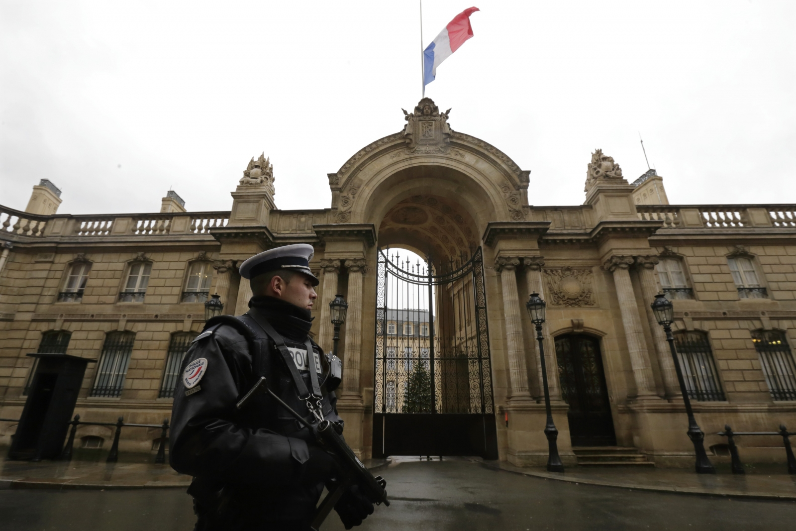 France will replace 10,000 troops deployed under the highest level of