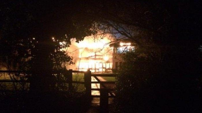Oxfordshire fires: Arson suspected as council building set ablaze
