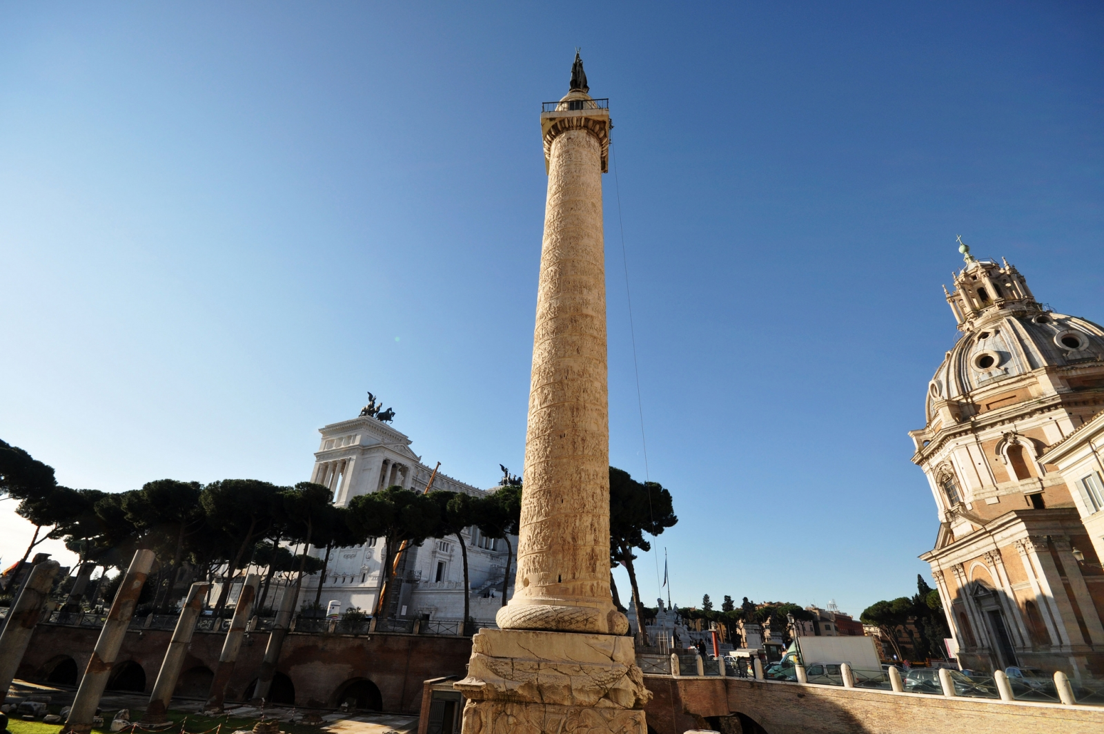 Trajan's Column sheds light on women's role in ancient Roman army - International Business Times UK