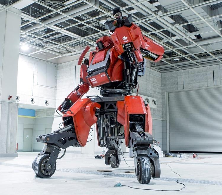 Kuratas: the mobile suit mecha robot you can actually ride in