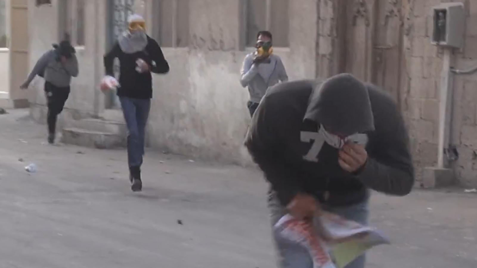 Bahrain: Video shows protester 'shot in face' for holding poster of opposition leader Sheikh Ali Salman