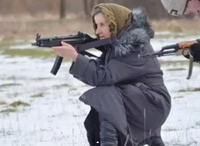 Pensioner joins Ukranian army