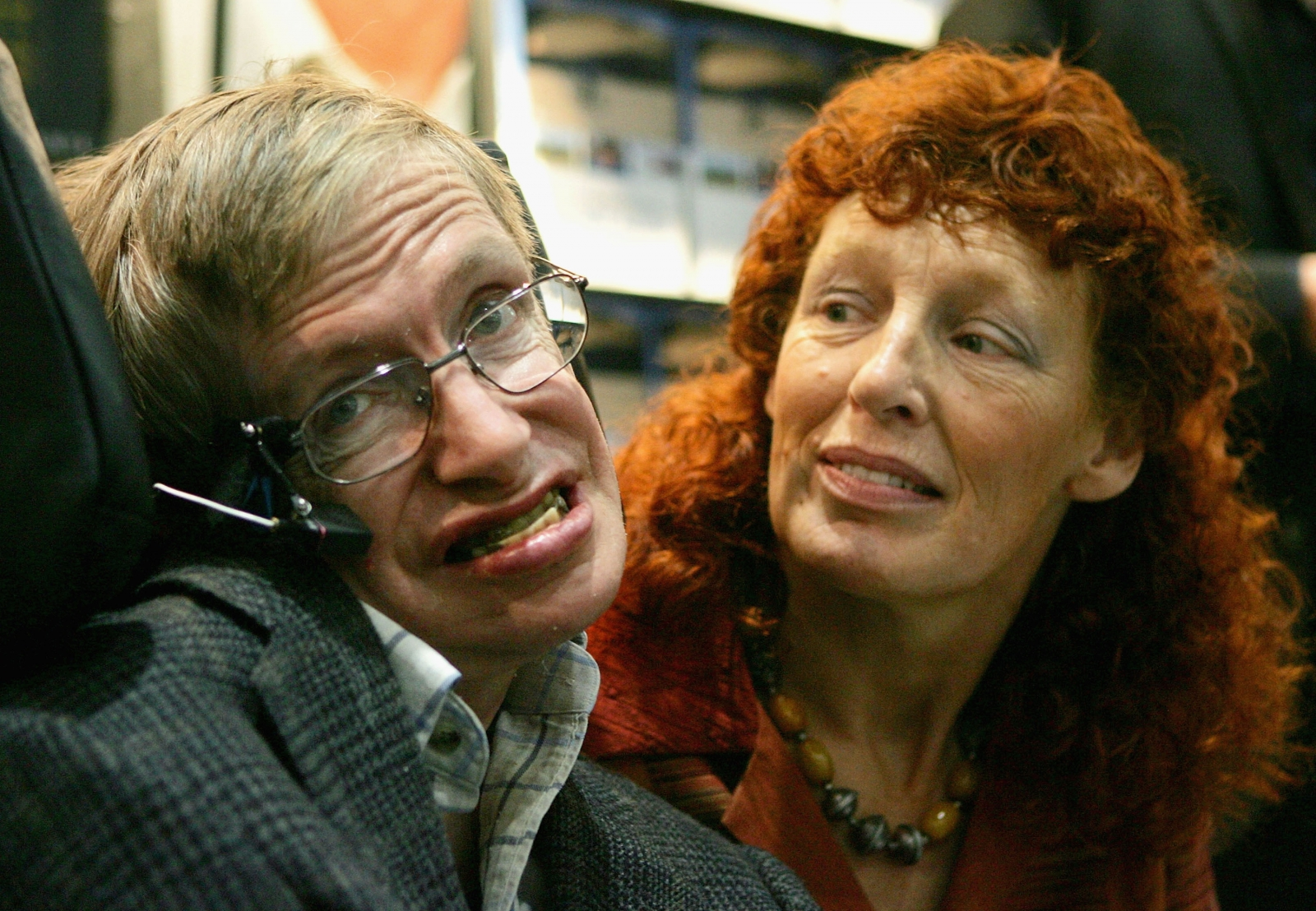 Stephen Hawking with his second wife Elaine Mason in 2005