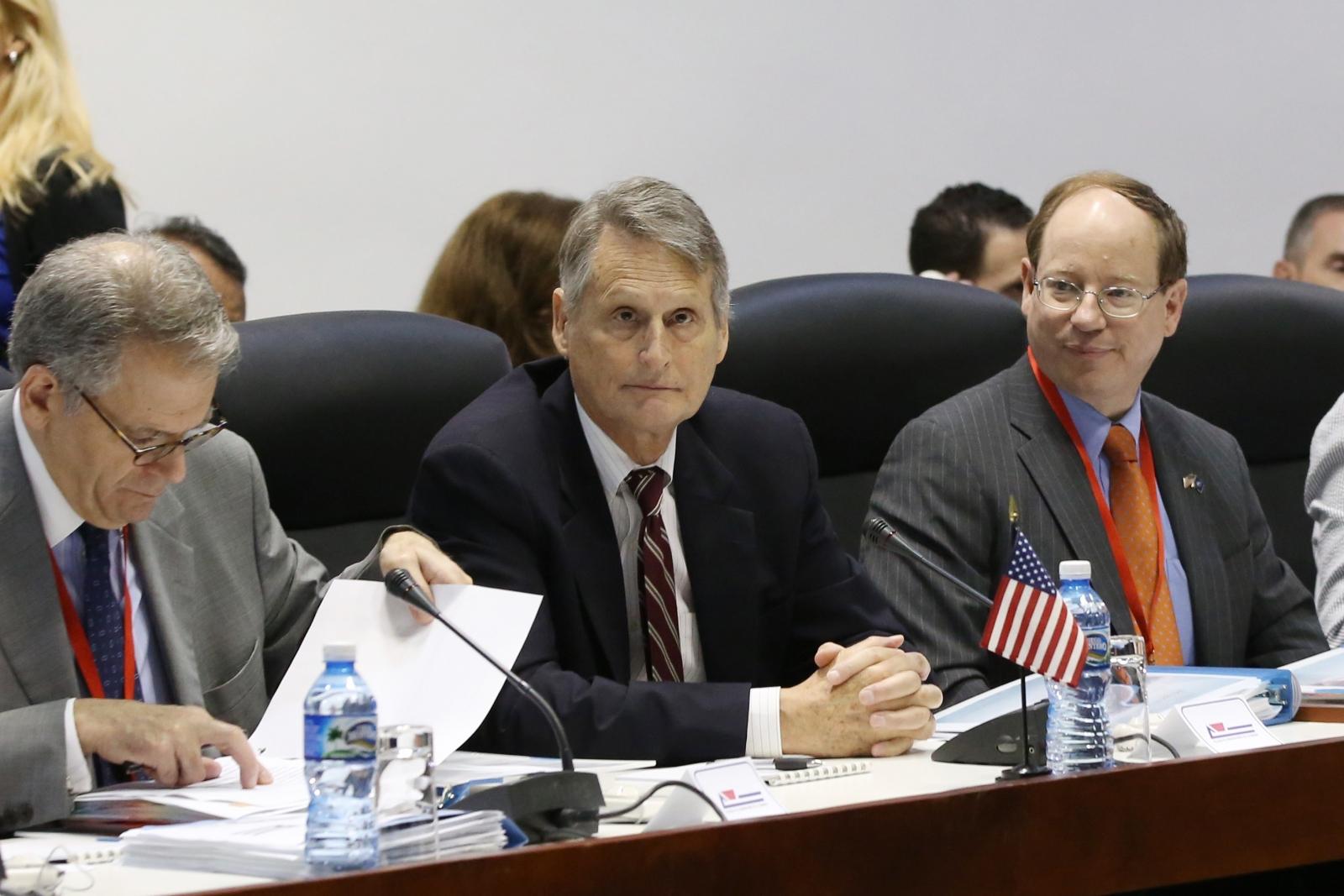 US and Cuba begin historic talks on immigration