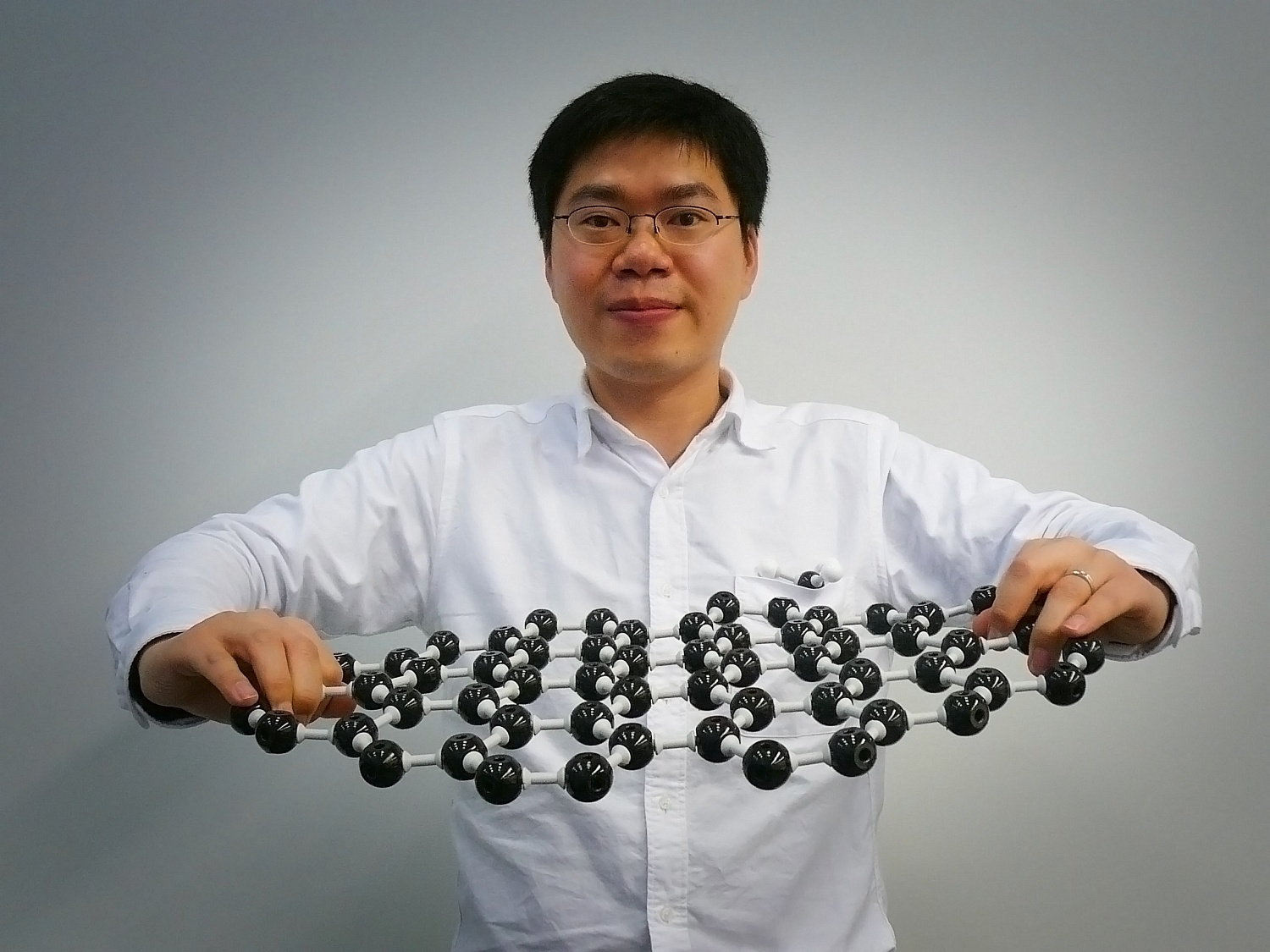 graphene production cost reduced by Delft