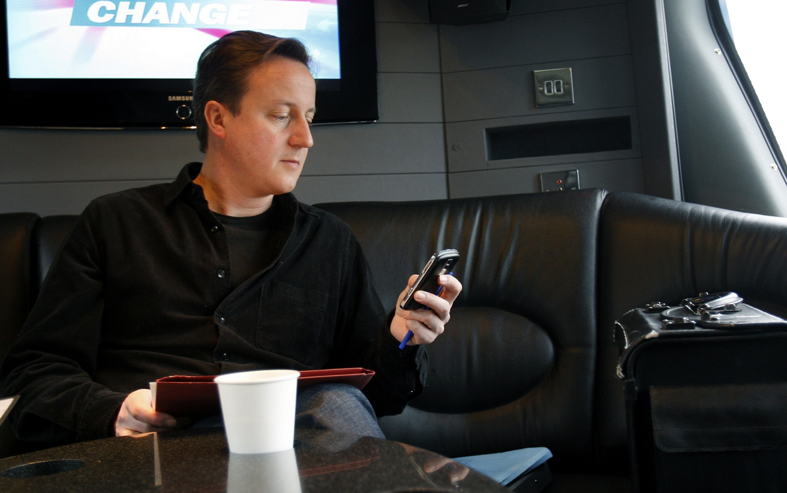 David Cameron and mobile phone