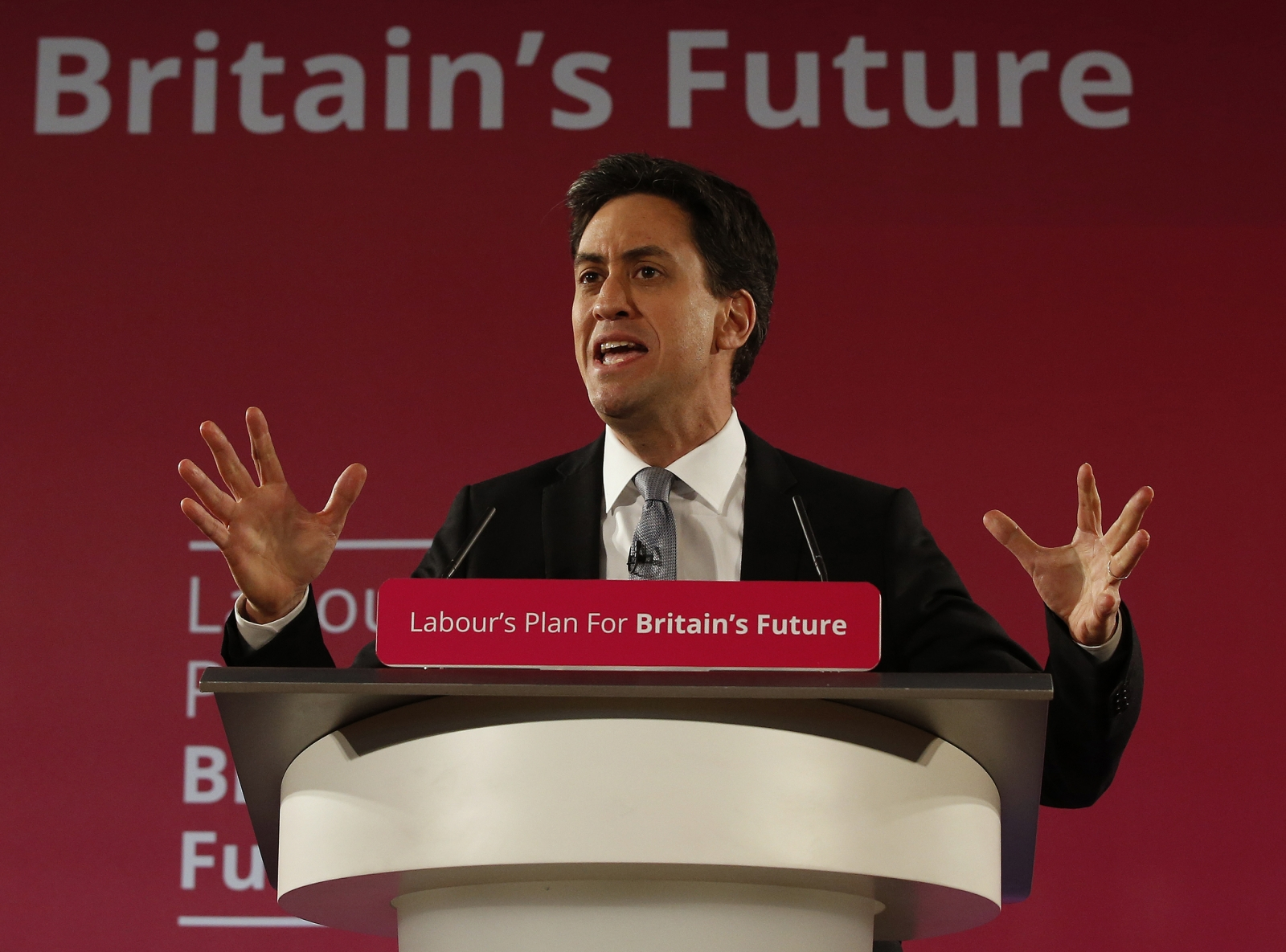 Britain's opposition Labour Party leader Ed Miliband gestures as launches his party's 2015 election campaign, at the Lowry Theatre in Salford, north west England January 5, 2015.