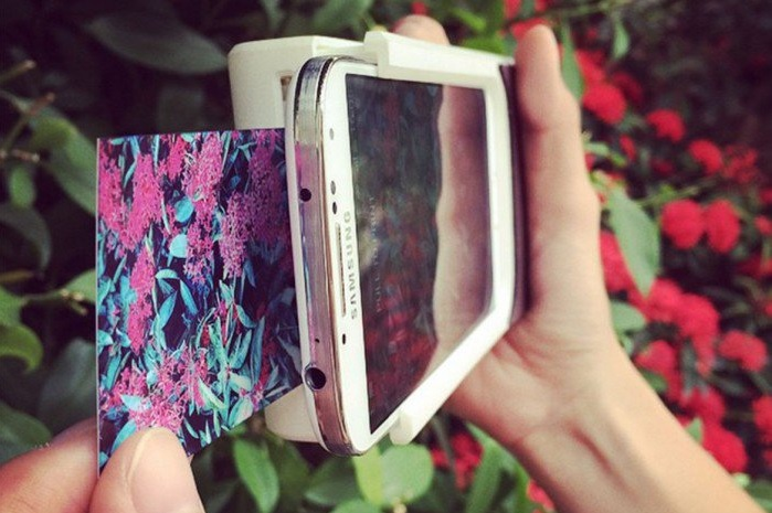 Prynt smartphone case polaroid