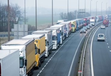Calais Traffic Channel Tunnel Migrants
