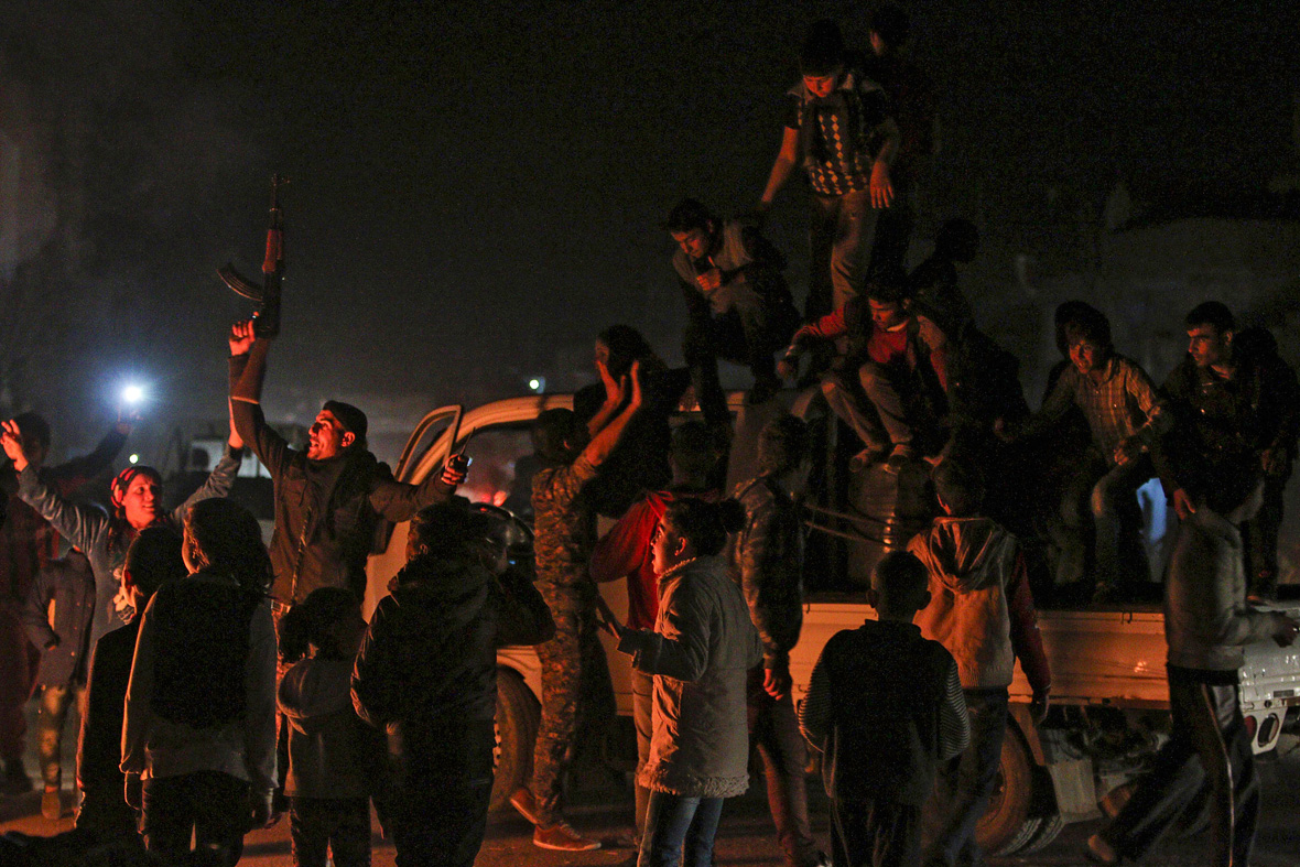 Kurdish fighters regain Kobani from Isis