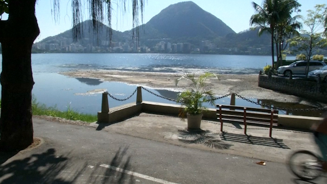 Water levels drop dangerously low at Rio 2016 rowing and canoe site