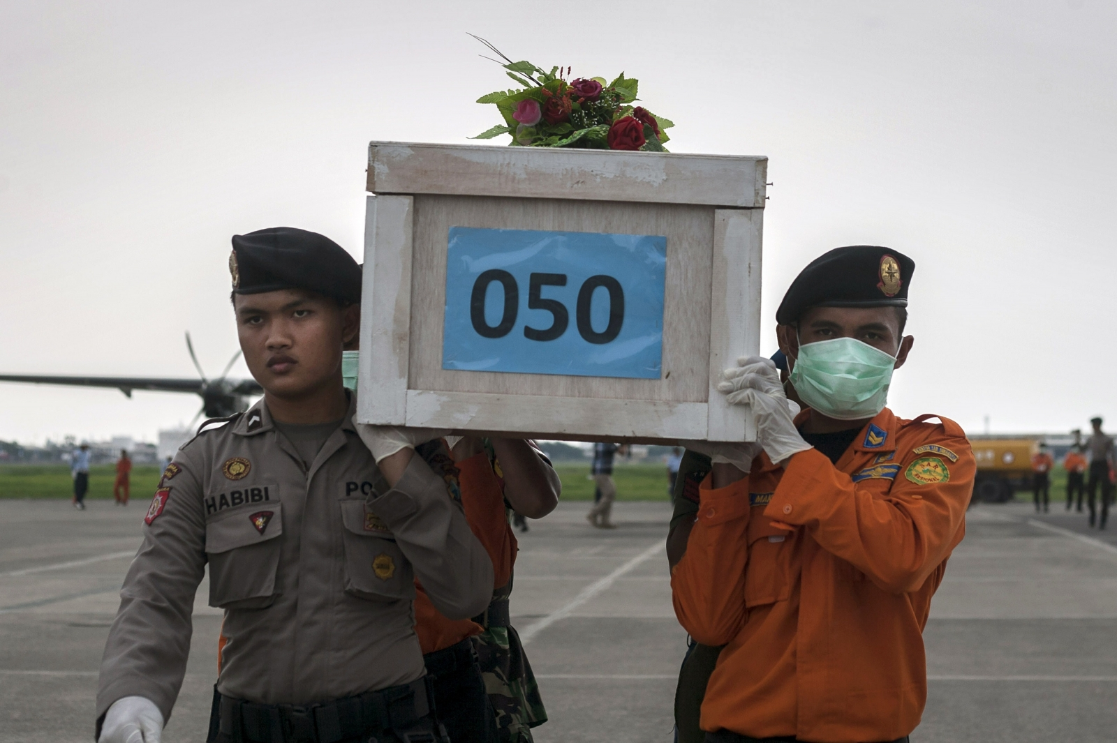 Bodies have been retrieved slowly fro the wreckage of AirAsia QZ8501