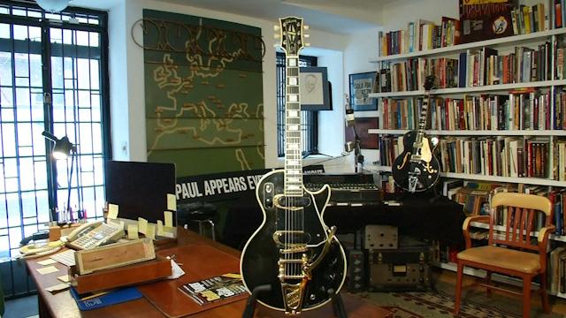 The original Les Paul guitar goes up for auction