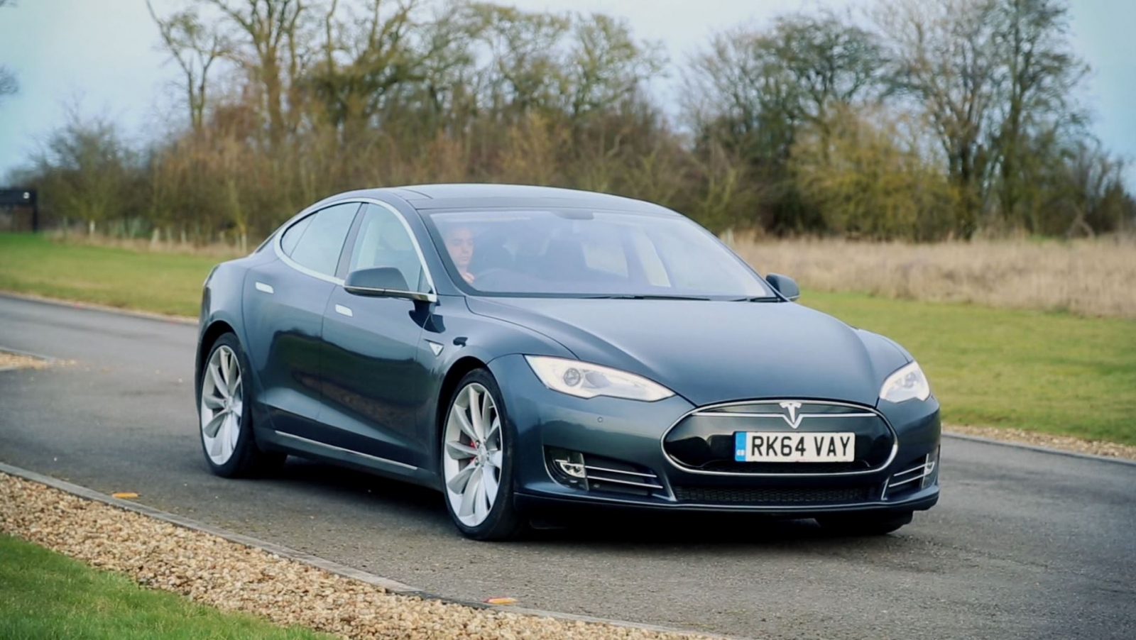 tesla model s p85 review the car of the future is already here. Black Bedroom Furniture Sets. Home Design Ideas