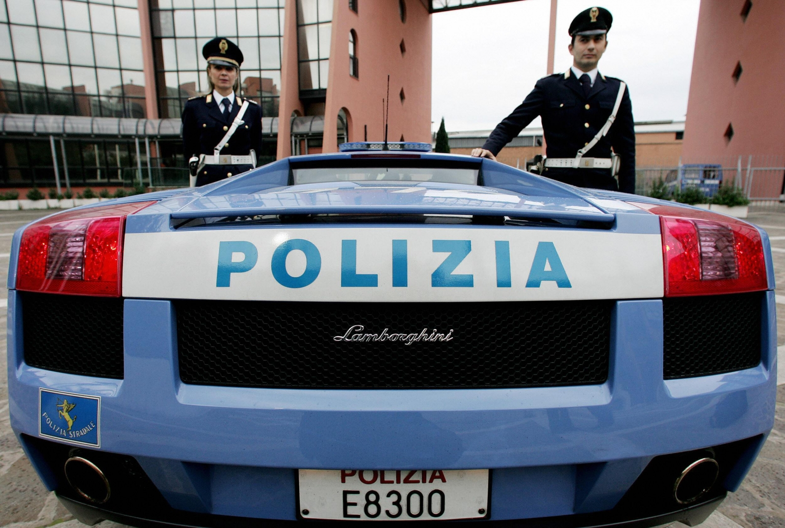 Italian police arrested a mafia boss who hid out in a secret attic for 20 days. (Getty)
