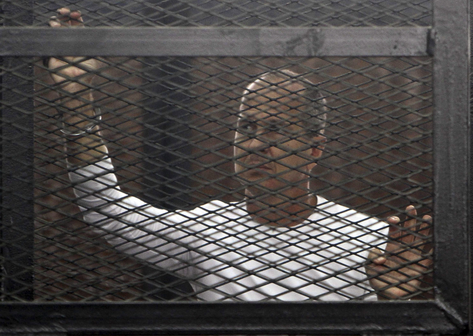 Jailed Al-Jazeera journalist Peter Greste jailed from jail in Cairo