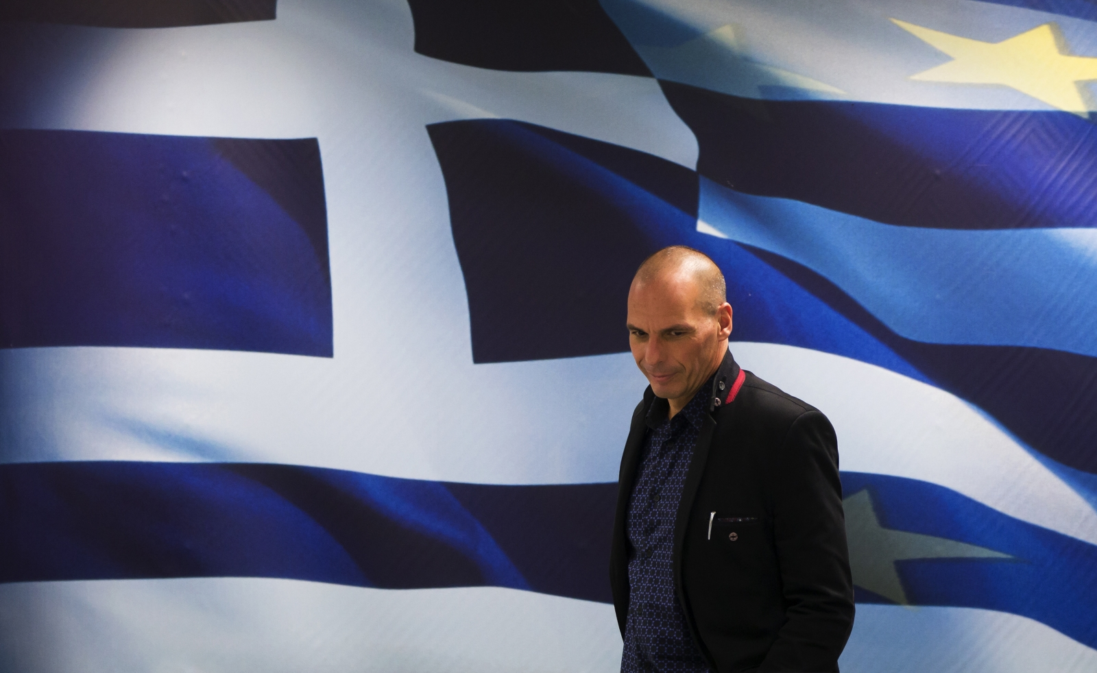 Newly appointed Greek Finance Minister Yanis Varoufakis arrives at a hand over ceremony in Athens, January 28, 2015.
