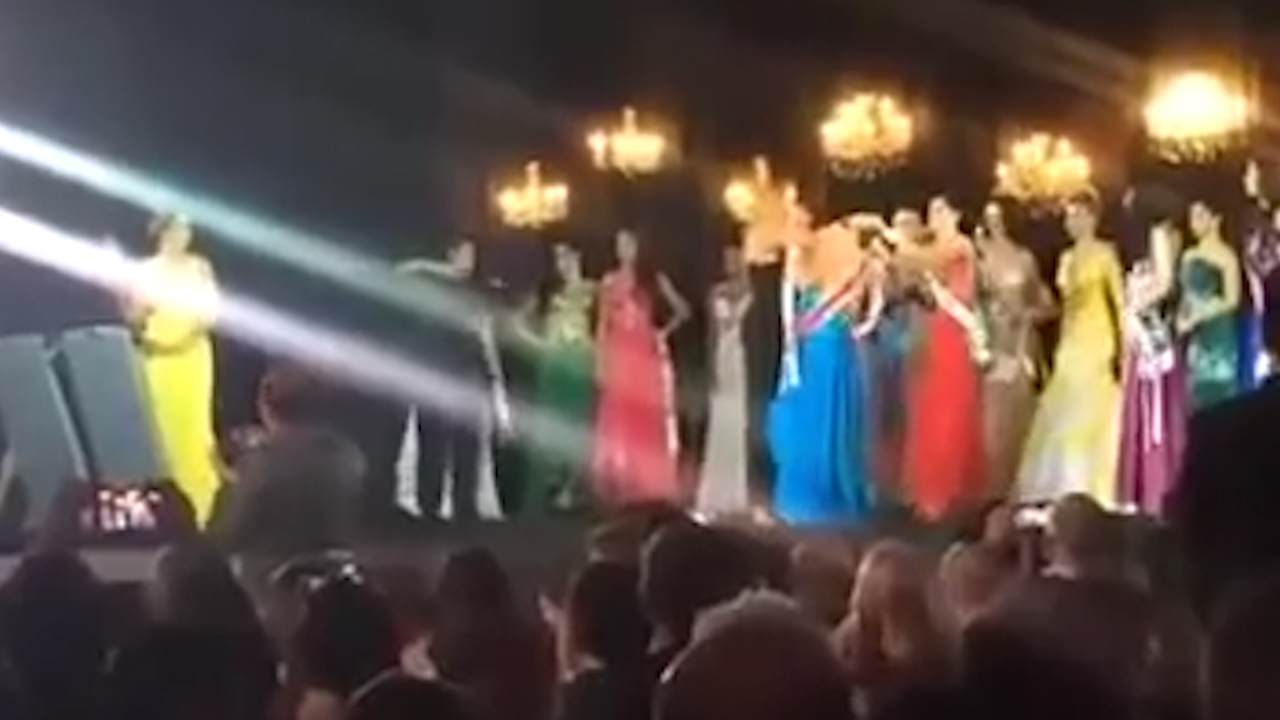 Brazil beauty pageant descends into chaos as rival snatches crown from winner