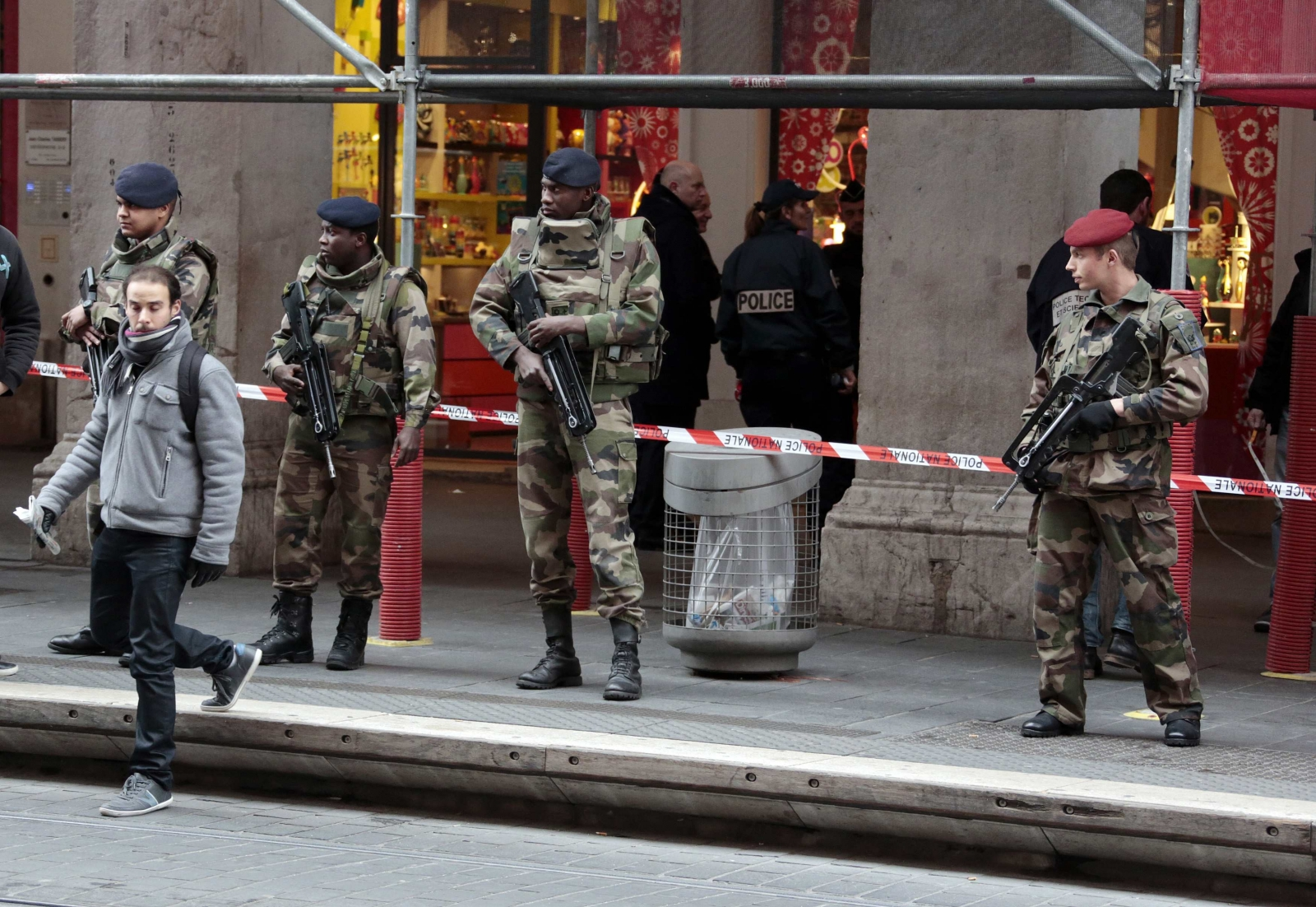 Nice: French soldiers guarding Jewish community centre injured by knife-wielding attacker
