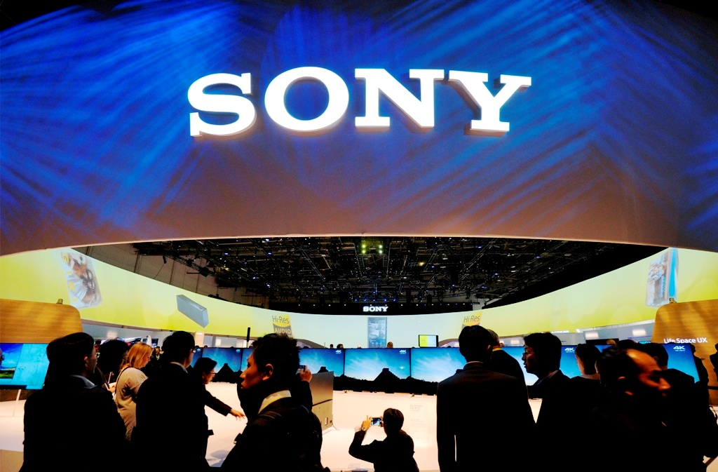 Sony trims 2014 loss forecast as flash Q3 data beats estimates