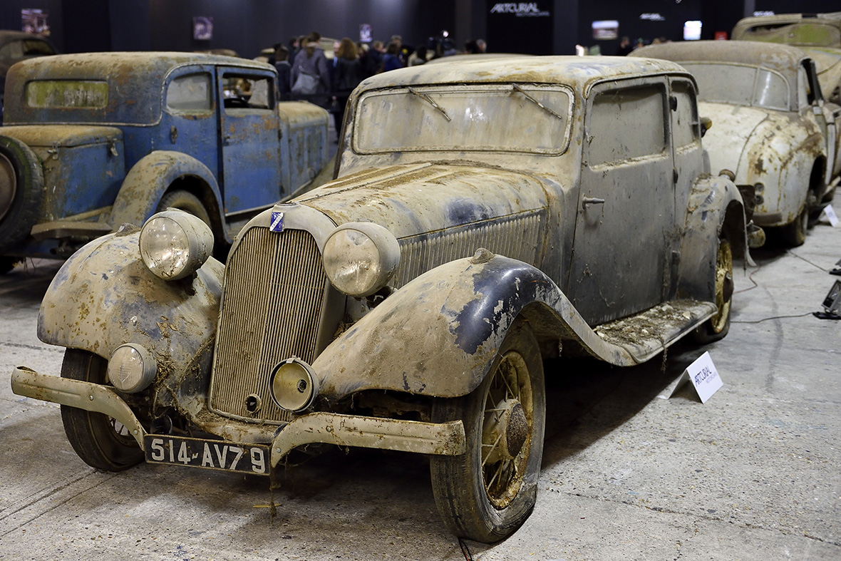 Retromobile Paris 2015: Sensational collection of classic cars found ...