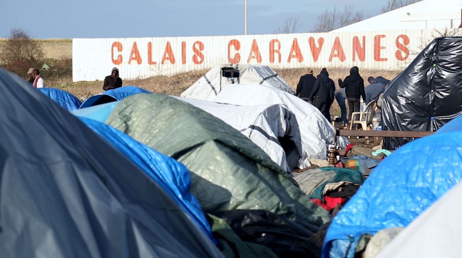 Inside Calais migrant 'Jungles': From peril to police violence