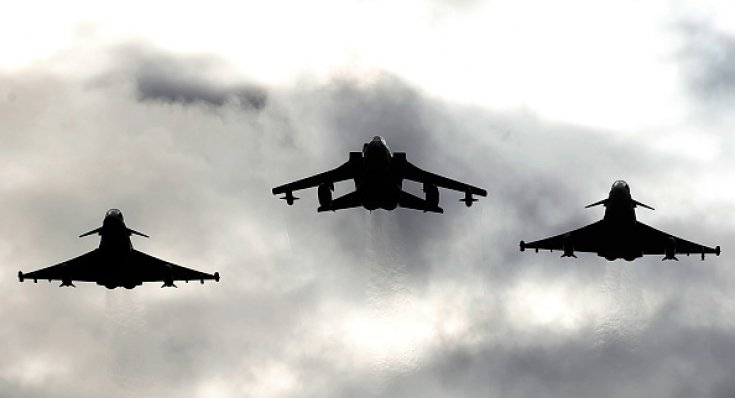 UK to send 1,000 troops and jets to Baltics in Nato effort to reassure Russia neighbours