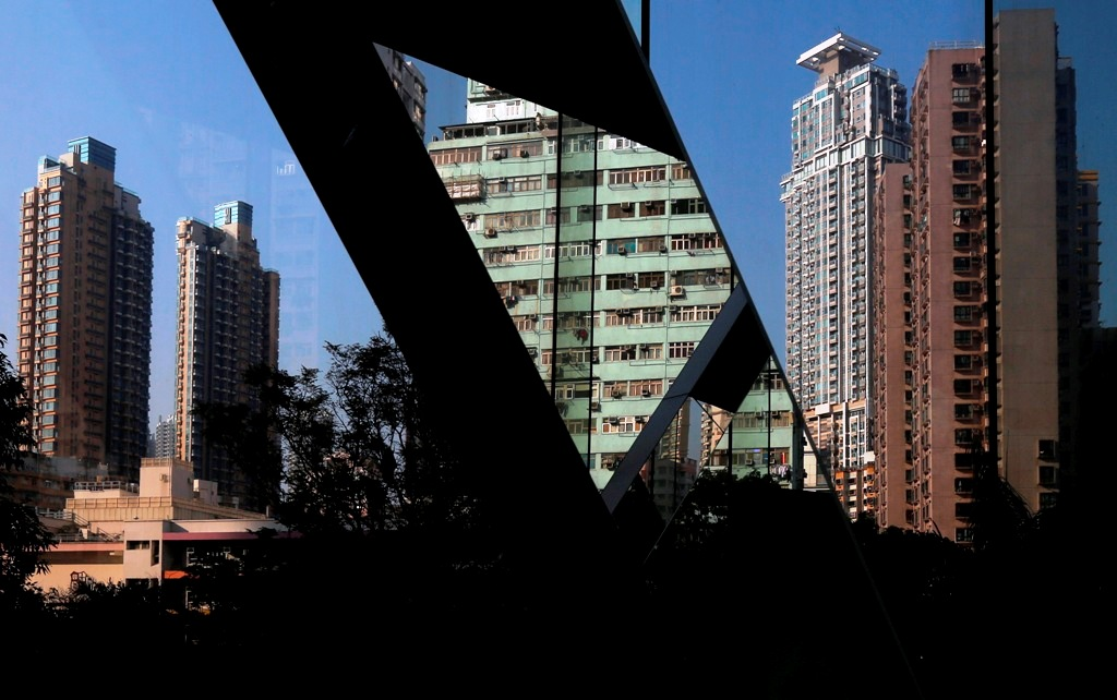 Potential housing bubble in Hong Kong won\'t topple its economy