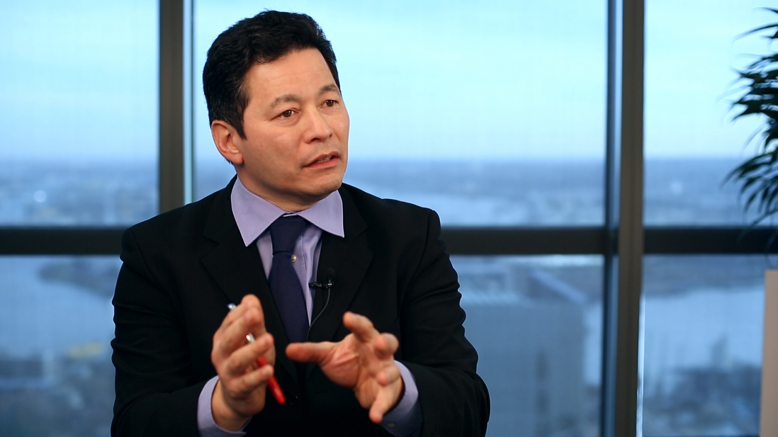 Edmund Shing: Gold glitters once again as a 'hard currency'