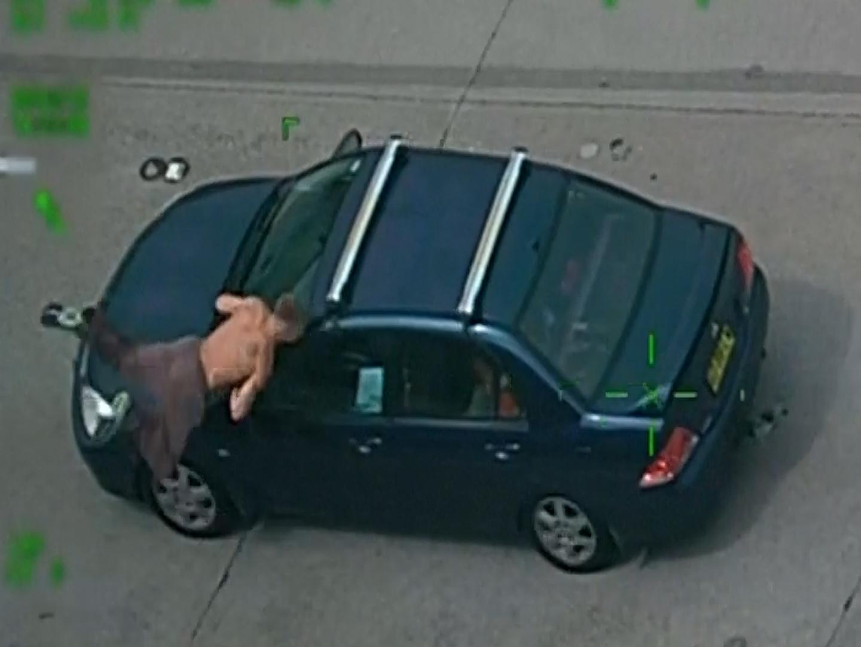 Fleeing gunman hit by car during Australia police chase