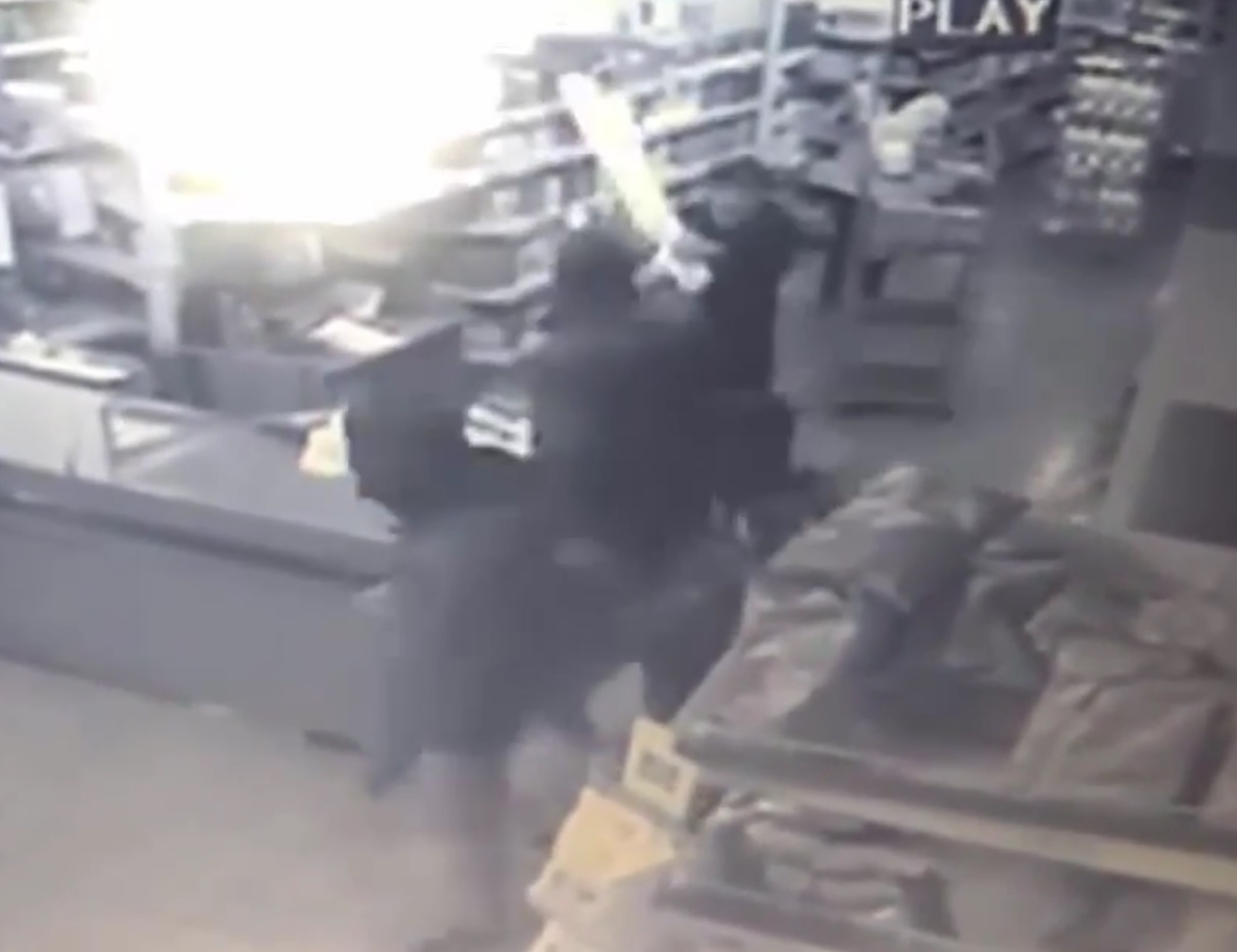 Italian old man hits back at armed robbery