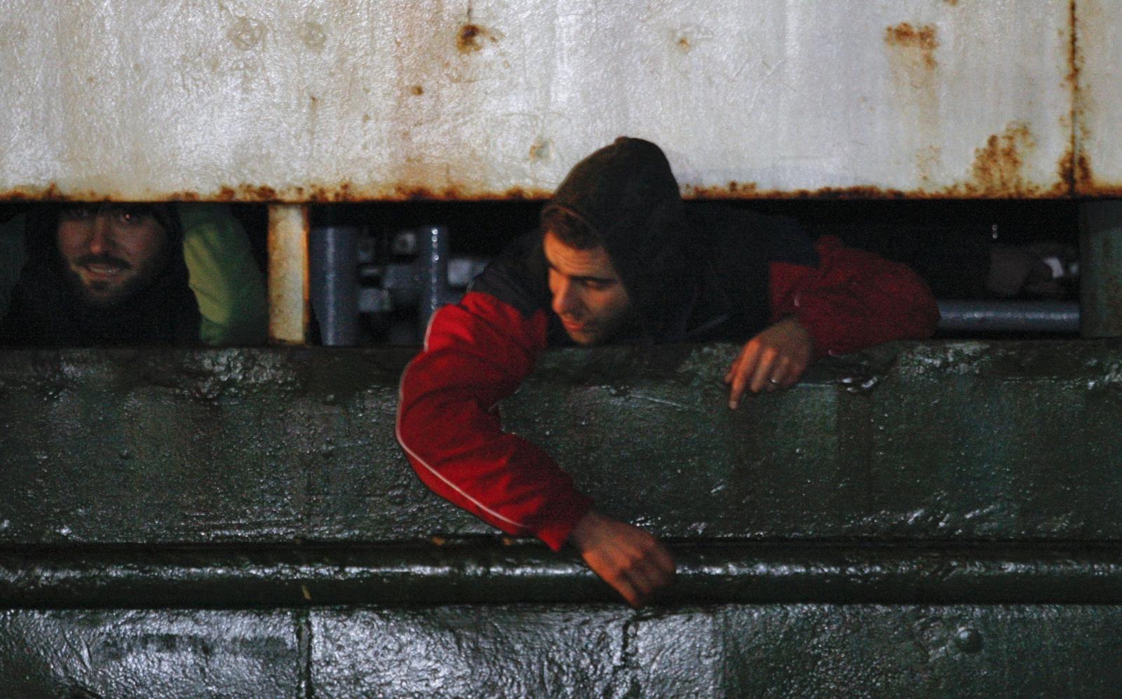 Migrants arrive Italy