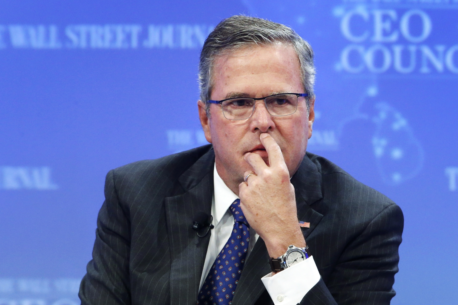 Jeb Bush, a former governor of Florida, has committed a serious privacy blunder by publishing almost 300,000 emails online,