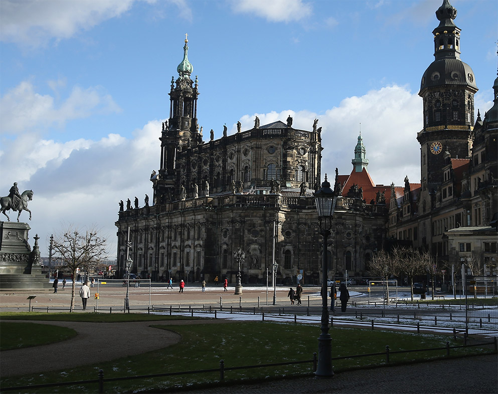 Drunk US tourist punched in Germany after giving Nazi salute
