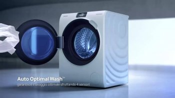 Samsung's high-end Crystal Blue washing machine. LG alleges that it is natural for its executives to have tested the machine doors, since they can undergo a lot of stress from people handling them