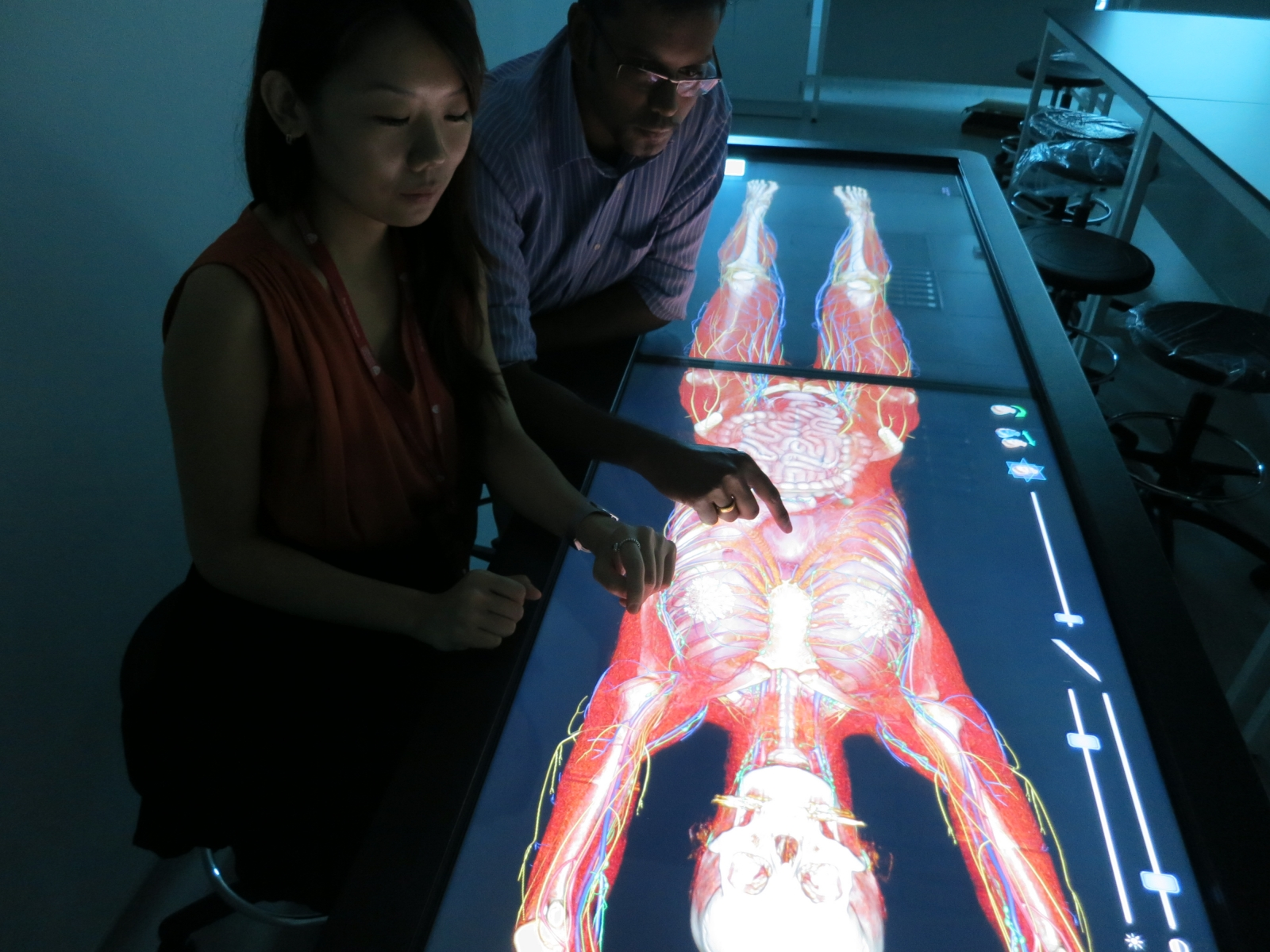 A virtual autopsy table technology called Anatomage could be used to make virtual copies of healthy soldiers so that they can be used to fix them if they are injured