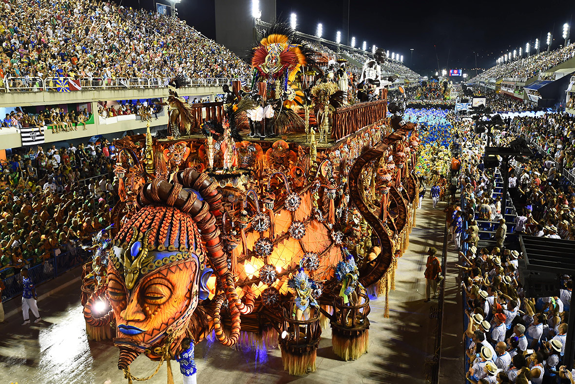 Rio Carnaval - Girls Wild Party