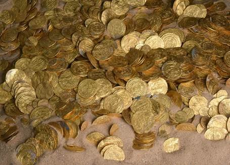 A treasure trove of gold coins over 1,000 years old has been found off the coast of Israel.