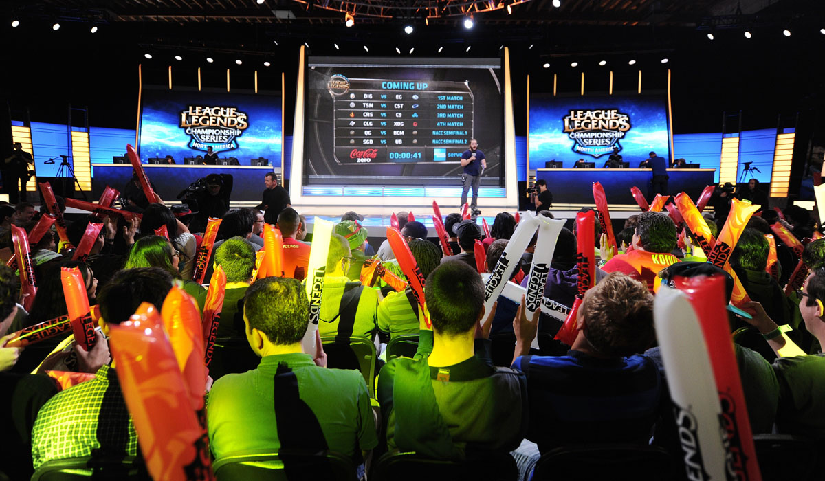 eSports Fans League of Legends