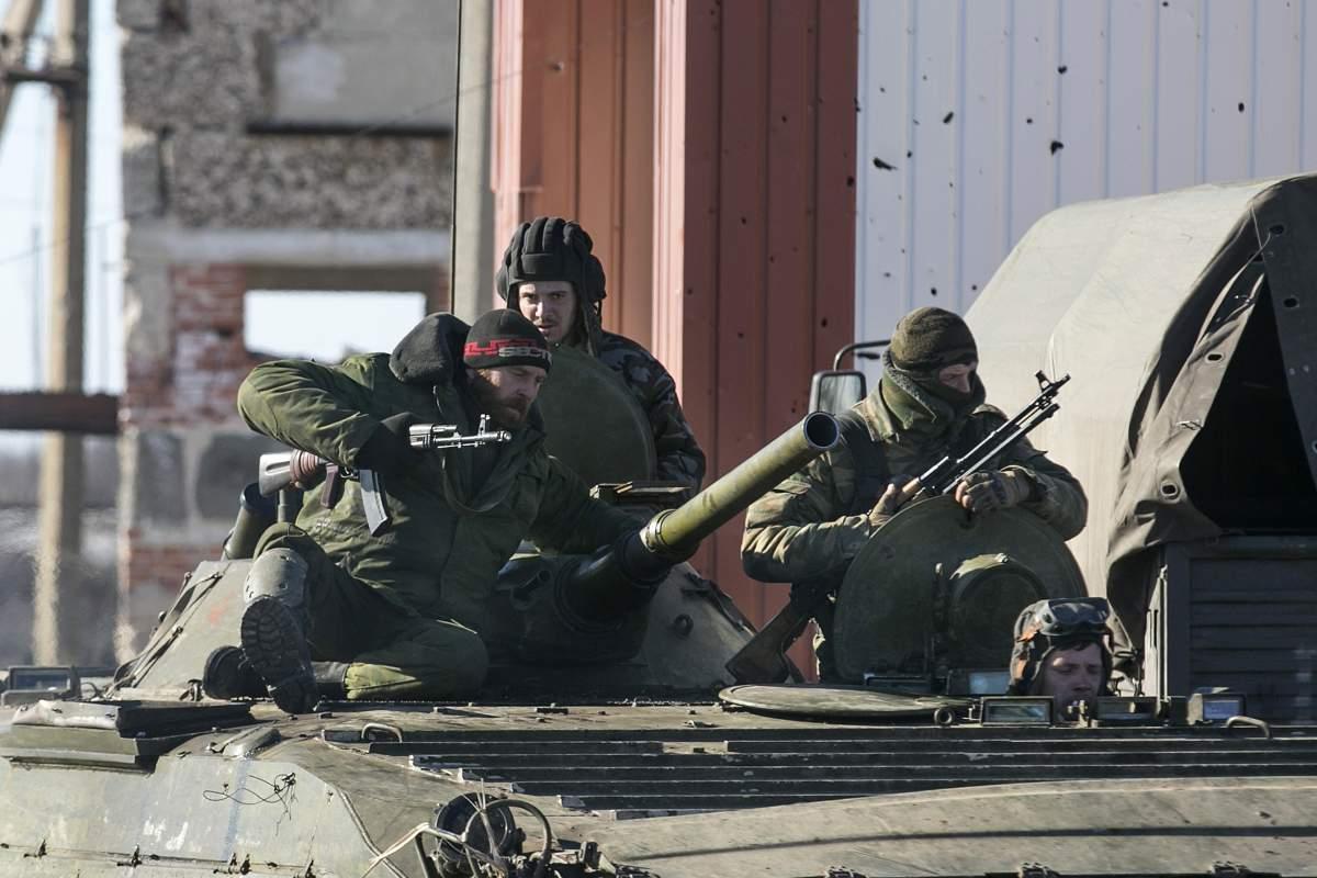 Russian TV shows Ukrainian soldiers surrendering in Debaltseve