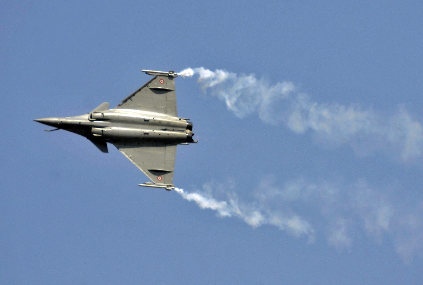 Aero India 2015 show and defence deals