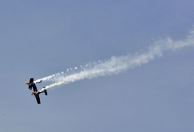 Video: Watch two Red Bull planes in near miss at India airshow