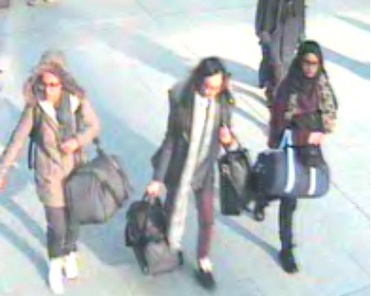 London school girls feared to be travelling to Syria