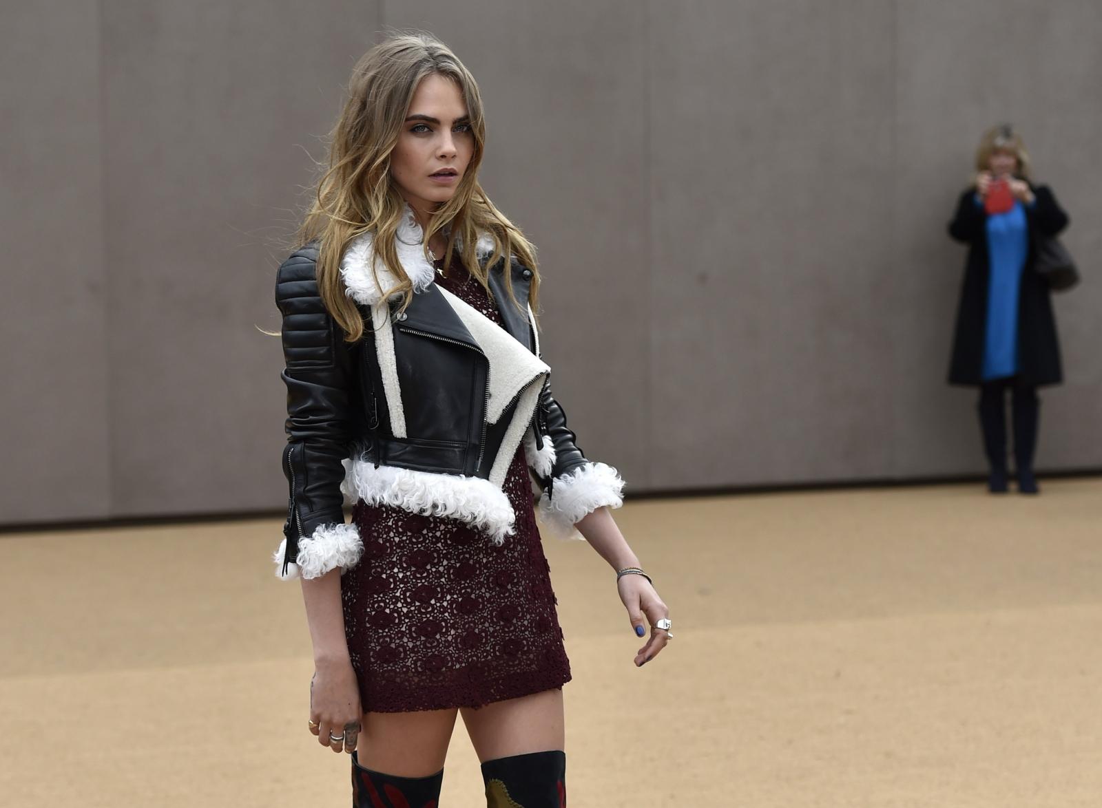 London Fashion Week 2015: Burberry takes inspiration from British folk craft