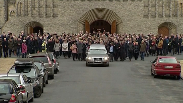Copenhagen shooting: 1000 turn out for funeral of cafe victim